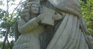 Qui est vraiment patron de la Bretagne : Saint Yves ou Sainte Anne ?