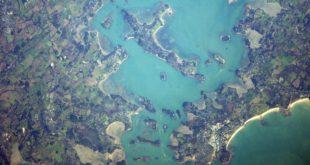 port navalo vue de l'espace