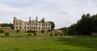 Abbaye Notre-Dame-de-Bon-Repos, Saint-Gelven, France