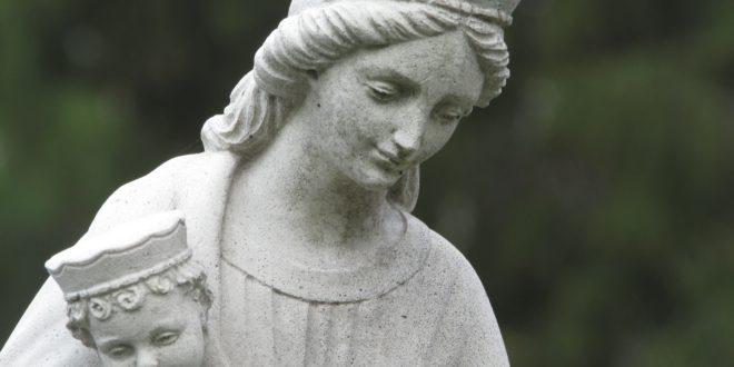 Vendredi 25 mai à Lochrist: temps de prière bilingue breton -français pour fêter le mois de Marie.
