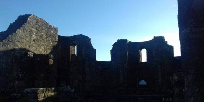 L'abbaye de Landévennec fait-elle l'impasse sur une part de son histoire ?