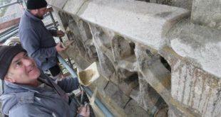 """[Plouégat-Guérand] Sous """"parapluie"""", le chantier de l'église avance"""