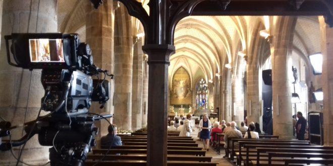 Décidément, l'équipe du «Jour du Seigneur» prend goût à la Bretagne