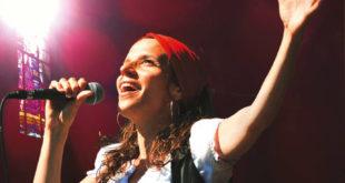 Clarisse Lavanant chante les cantiques bretons (interview)
