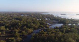 """""""Le voyage des Koumoul"""", 5 minutes de vol en drone au-dessus de la Bretagne"""