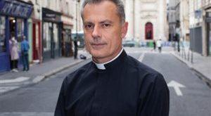 """Pierre Vivarès : """"Notre église est celle au bout de la rue"""""""