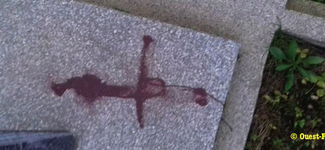 80 tombes profanées dans les Côtes d'Armor