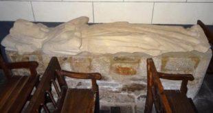 Le «gisant» de la chapelle du Bas Pont Scorff
