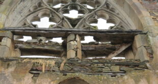 [MONTFORT-SUR-MEU] L'Oeuvre St Joseph recherche 15 000€ pour débuter la sauvegarde d'une abbatiale du XIIème